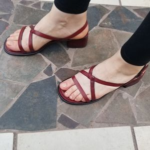 💝Strappy red sandals